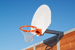 Basketball hoop outdoors Royalty Free Stock Photography