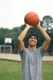 basketball man playing vertical Στοκ Φωτογραφίες