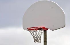 Basketball-Netz und Rückenbrett Stockbild