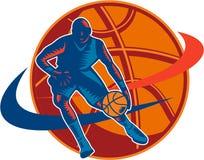 Basketball-Spieler-tröpfelnder Ball-Holzschnitt Retro- Lizenzfreie Stockbilder