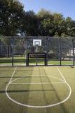 Basketball- und Fußballkäfig Stockfotografie