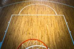 Basketballplatz Innen stockfoto