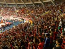 Basketfans på gymnastiksalen, Rio De Janeiro Fotografering för Bildbyråer