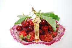 Basketful da fruta Foto de Stock