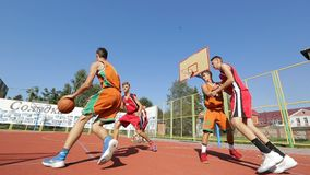 Basketidrottsman nen Training On Court stock video