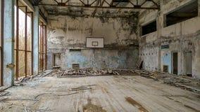 Basketkorridor i Pripyat Royaltyfri Bild