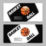 Basketreklamblad eller rengöringsdukbanerdesign med bollsymbolen Royaltyfria Bilder