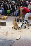 Baskische landelijke sporten Harrijasotzaile, Aizkolari, houten-hakt royalty-vrije stock afbeelding