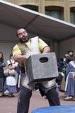 Baskische landelijke sporten Harrijasotzaile, steen het opheffen stock afbeeldingen