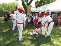 Baskische Mannen en Vrouwen bij het Festival Royalty-vrije Stock Foto's