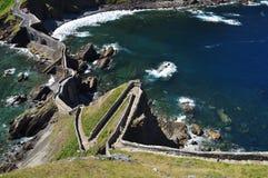 Baskisk atlantisk kust. Gaztelugatxe Spanien Arkivbilder