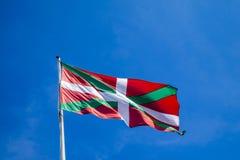 Baskisk landsflagga i Mundaca Spanien Arkivfoton