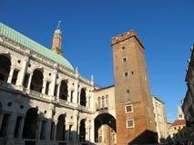 Basílica de Palladian y torre medieval Imagenes de archivo