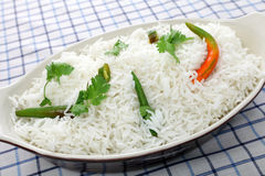 Basmati rijst met koriander en chillis Royalty-vrije Stock Foto
