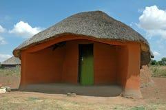 basotho förlägga i barack traditionellt Arkivbild