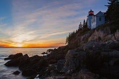 Basowa schronienie latarnia morska przy zmierzchem, Acadia park narodowy Zdjęcie Royalty Free