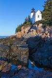 Basowa schronienie latarnia morska w ranku świetle słonecznym Obraz Royalty Free