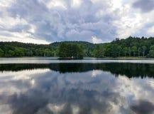 Basowe Jeziorne dmuchanie skały Pólnocna Karolina burzy chmury Obraz Stock