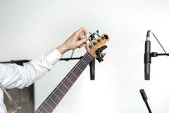Basowej gitary gracz obraz royalty free