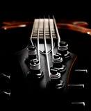 Basowej gitary headstock widok depresja klucz, płytka głębia pole (,) Zdjęcia Royalty Free