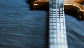 5 Basowej gitary smyczkowa tapeta zdjęcie royalty free