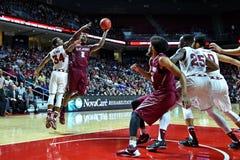 2015 basquetebol do NCAA - St Joe no templo Imagens de Stock