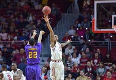 2015 basquetebol do NCAA - Templo-ECU Fotos de Stock Royalty Free