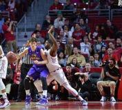 2015 basquetebol do NCAA - Templo-ECU Foto de Stock