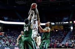 2015 basquetebol do NCAA - templo-Tulane Fotografia de Stock Royalty Free