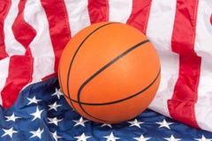 Basquetebol na bandeira americana Foto de Stock Royalty Free
