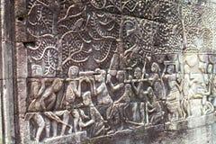 Basrelief för Cambodja Angkor Bayon basreliefcarvings i Siem Reap royaltyfri fotografi