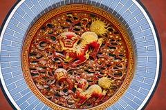 Basrelief på den Yuantong templet i Kunming, Kina Royaltyfria Bilder