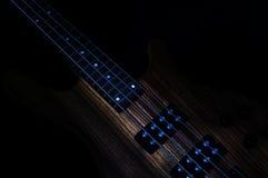 Bass Guitar Low Key lizenzfreie stockfotografie