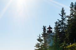 Bass Harbor Head Light avec des rayons de soleil Images libres de droits