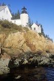Bass Harbor Head Light Lighthouse på den blåa kullefjärden i Maine, MIG Arkivbilder