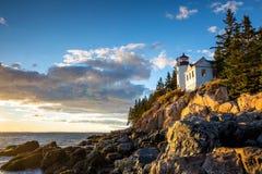 Bass Harbor Lighthouse en el parque nacional del Acadia de la puesta del sol Fotografía de archivo