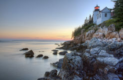 Bass Harbor Lighthouse en la puesta del sol Fotos de archivo libres de regalías
