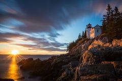 Bass Harbor Lighthouse en la puesta del sol Fotografía de archivo libre de regalías