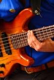 Bass Player en el festival de música Foto de archivo libre de regalías