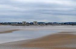 Bassa marea nella centrale nucleare di Severn Looking Across To Berkley del fiume Fotografia Stock Libera da Diritti