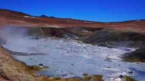 Bassain Sol de Manana гейзера в Altiplano Боливии видеоматериал