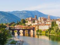 Bassano与Ponte degli Alpini的del Grappa 库存照片