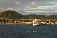 Basseterre huvudstad av St Kitts och Nevis royaltyfri foto