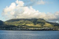 Basseterre, St Kitts e montagem Liamuiga Fotografia de Stock Royalty Free