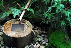 Bassin de l'eau de zen Photos stock