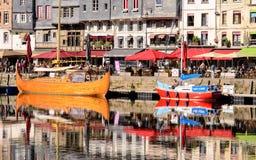 Bassin Le vieux в Honfleur Нормандии стоковое фото rf
