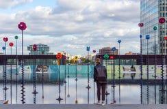 Bassin Takis dans la défense de La de Paris - Paris, France photo stock