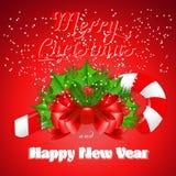 Bastão de doces do Natal com azevinho e curva vermelha Imagens de Stock