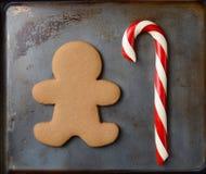 Bastón de caramelo y hombre de pan de jengibre Fotografía de archivo libre de regalías