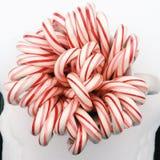 Bastões de doces aéreos em uma caneca Imagens de Stock Royalty Free